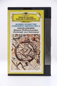 Glass, Phillip - Philips Glass Violin Concerto  Alfred Schnittke Concerto Grosso No.5 (DCC)