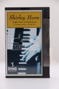 Horn, Shirley - Light Out of Darkness (DCC)