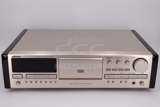 Victor ZD-V919 - Player with side panels